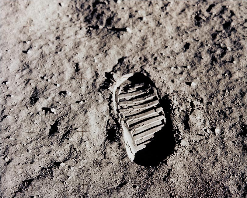 apollo-11-buzz-aldrin-footprint-moon-photo-print-6